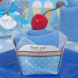 cupcake towel favors